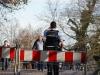 Irgend jemand öffnete die Absperrungen. Bis die Polizei davon erfuhr spazierten viele an diesem Sonntag über die Zoogartenbrücke.