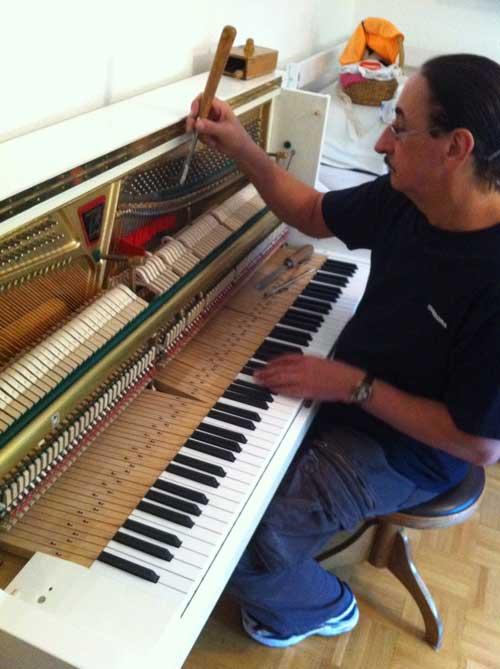 B. Stamm – Klavierstimmer, Klavierbau, Aufarbeitung